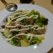 Salad cá ngừ thịt nguội