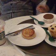 Pate chaud, New Tiramisu n Vanilla muffin