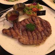 Beefsteak sốt nấm (giảm 15% trong tháng 6)