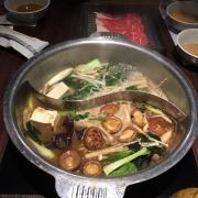 Lẩu nửa shabu shabu, nửa sukiyaki
