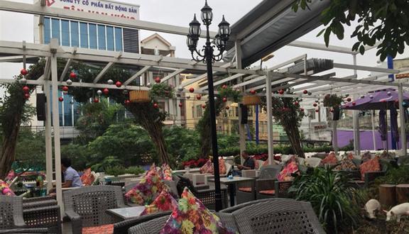 Đà Lạt Phố Cafe - Lữ Gia ở Quận 11, TP  HCM   Foody vn