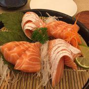 sashsimi bụng cá hồi