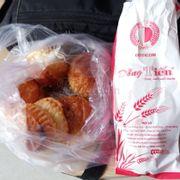 Bánh mì thập cẩm 15k và pateso 7k