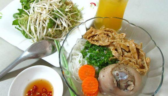 Chánh Lưu - Bún Măng Giò Heo