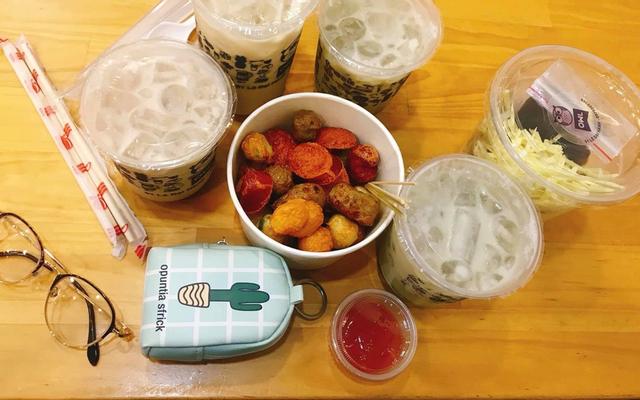 Owl Cafe - Food & Drink