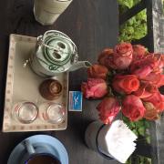 cốt dừa cà phê ở quán ngon , không gian bày trí khá đẹp