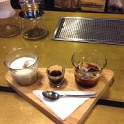 Set cafe Ý, hình như có espresso, iced americano, iced latte