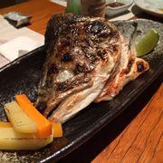 đầu cá hồi nướng