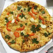 Ngon + rẻ + ship nhanh 👍🏻👍🏻👍🏻 Mình hay ăn các loại pizza hải sản + pizza xúc xích 🍕🍕🍕 Thứ 3 hàng tuần mua 1 tặng 1 🤔