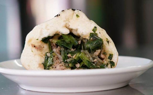 Bánh Bao Chiên Nước - Nguyễn Hồng Đào
