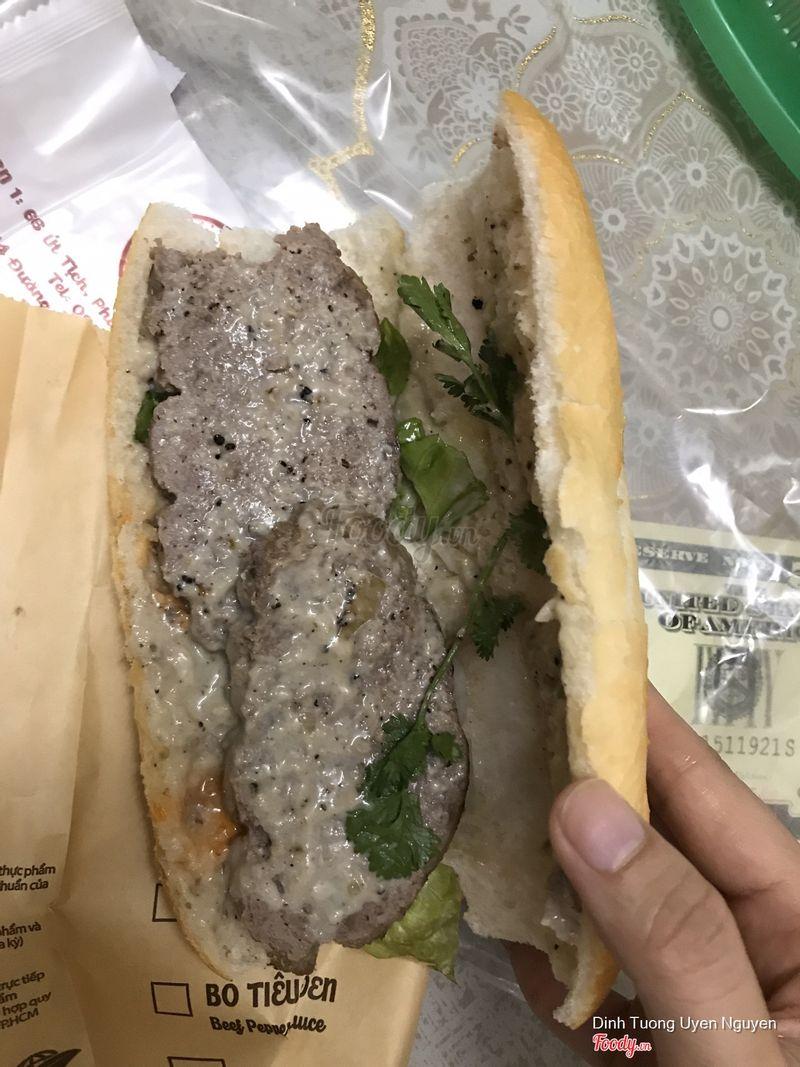 Bánh mì bò sốt nấm
