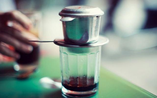 Coffee & Giải Khát - Lạc Long Quân