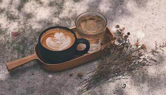 FeFe Coffee - Nhà Chung Cà phê