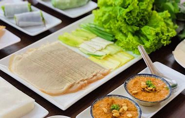 Cuốn Delichi Saigon - Thịt Cuốn 2 Đầu Da & Bún Mắm Nêm