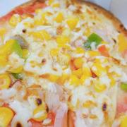 Pizza ngon ơi là ngon, thấy quán lạ + có km nên mình đặt bánh ăn thử. Chắc chắn sẽ đặt tiếp 😉