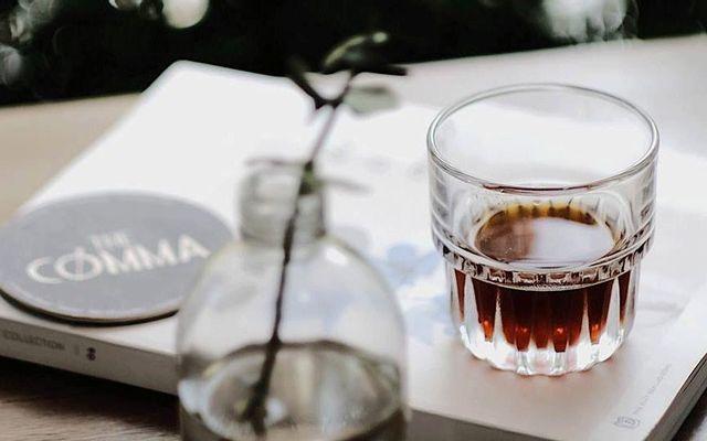 The Comma Coffee - Hoa Mai