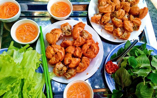 Bánh Cống Cô Thắm - Lãnh Binh Thăng