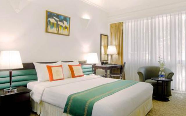 Hoàng Trung Hotel - Nam Hải