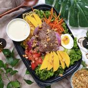 Salad bò vào thứ 3