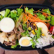Salad bò nước sốt bơ