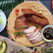 Thịt xá xíu không bột ngọt, ít gia vị, ăn kèm salad hoặc du lịch