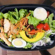 Salad gà sốt mè rang