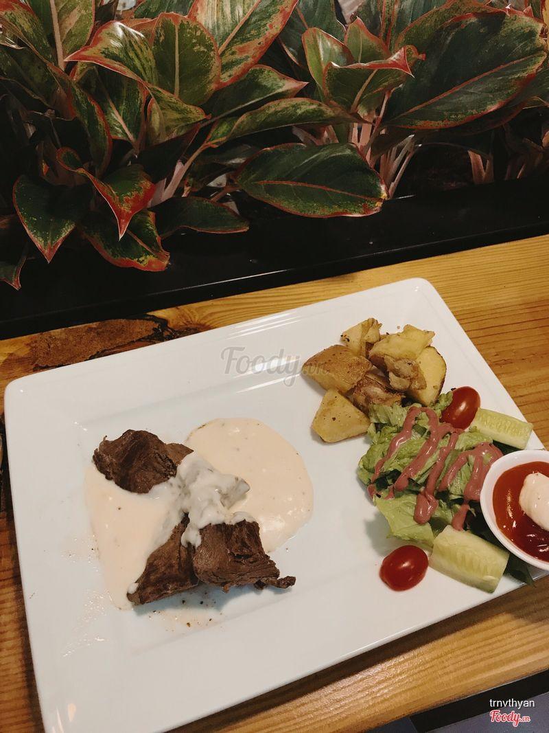 Steak bò sốt phô mai
