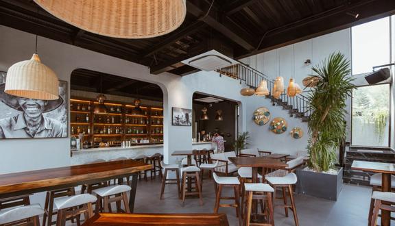 Son Tra Retreat - Garden Lounge & Eatery