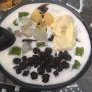 Sữa chua tươi mix trân châu - hạt đác- thạch-sầu riêng