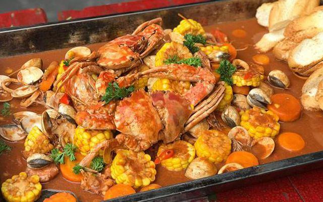 The Crawfish House & Thai Food