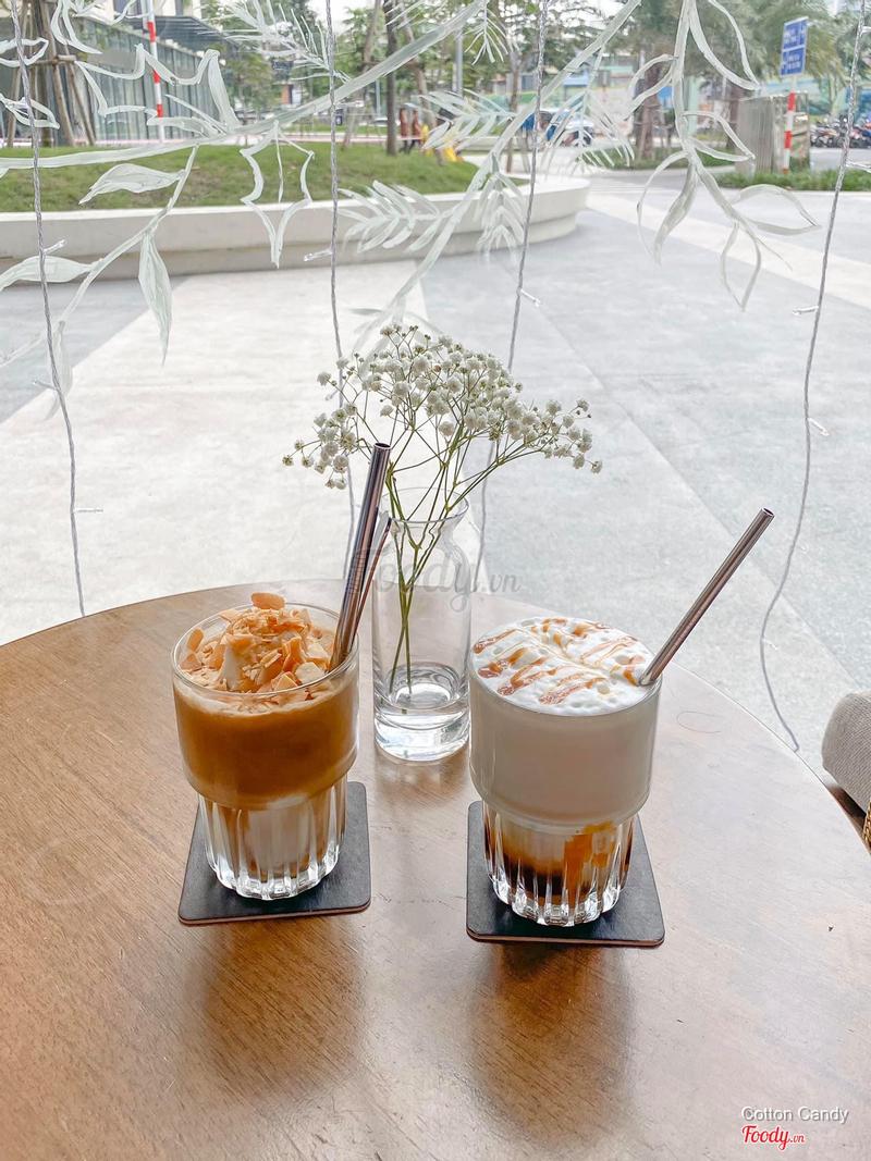 Cafe đá xay kem dừa. Caramel macchiato.