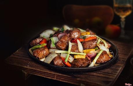 Vinh Steak 'n Ale