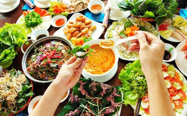 Nhà Hàng Suối Cá - Ẩm Thực Việt Nam
