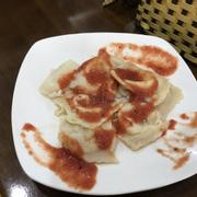 Ravioli quán vừa mang lên đây ạ :)) trông có giống 1 đĩa ăn thừa k ạ