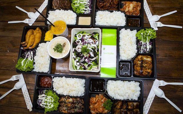 Home Kitchen - Nhà Hàng Giá Phải Chăng Cho Bữa Ăn Gia Đình - Đường F
