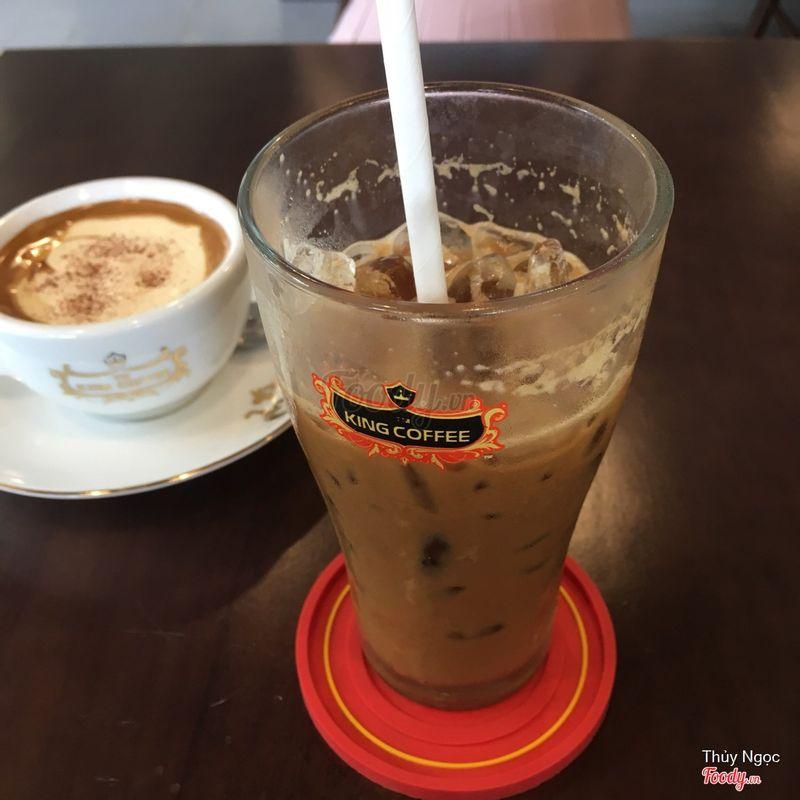 Cafe sữa đá . Đá k là đá, vị đắng cafe gắt.