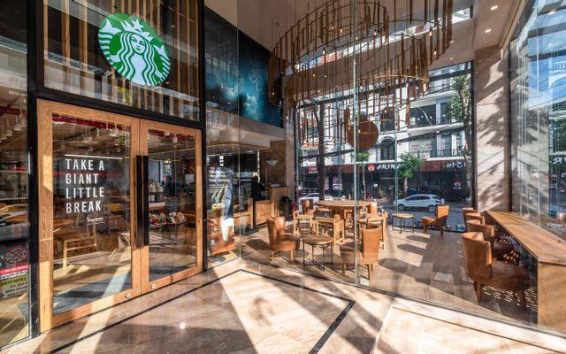 Starbucks Coffee - Văn Cao