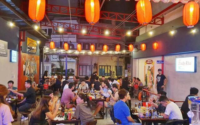 Bên Hông Chợ Lớn - Food & Drink