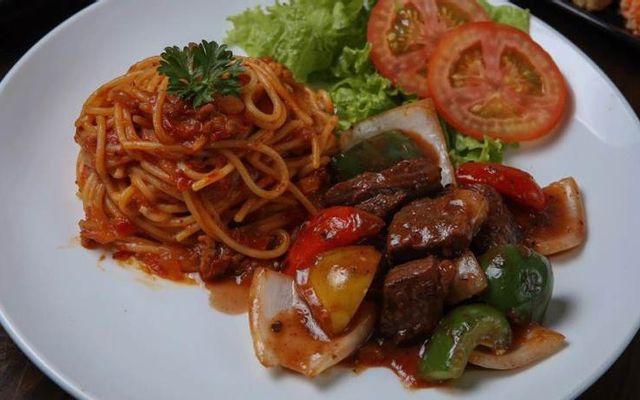Ong Nâu Spaghetti - Lê Quang Định