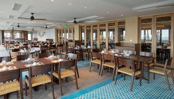 Marina Club - Restaurant, Cafe & Lounge