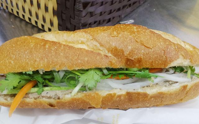 Bánh Mì Sinh Đôi - Hoàng Hoa Thám