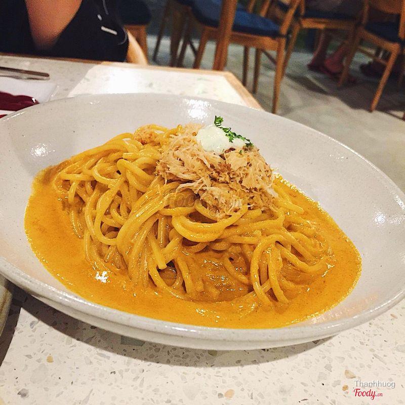 Crab tomato pasta