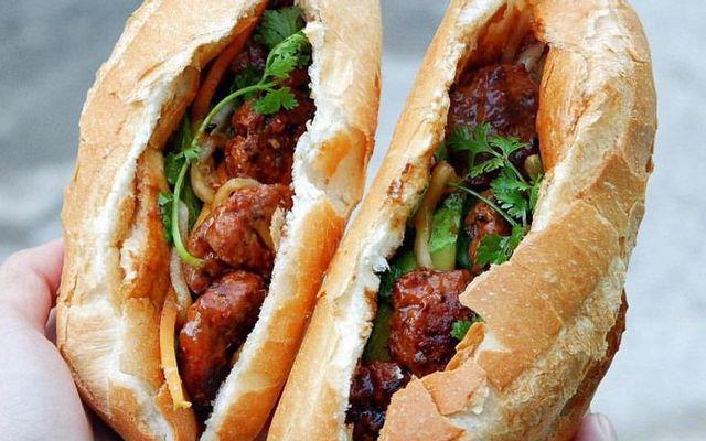 Bánh Mì Thịt Nướng Cố Đô