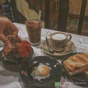 Bánh mì Hải Nam - trứng lòng đào