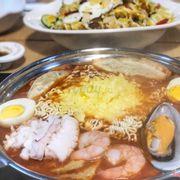 Mì tteok-bokki phô mai hải sản (290k+)