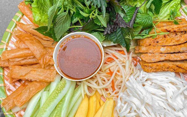Hà Thảo - Nem Nướng Nha Trang - Hàng Bồ