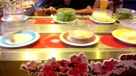 Kichi Kichi Lẩu Băng Chuyền - SC VivoCity