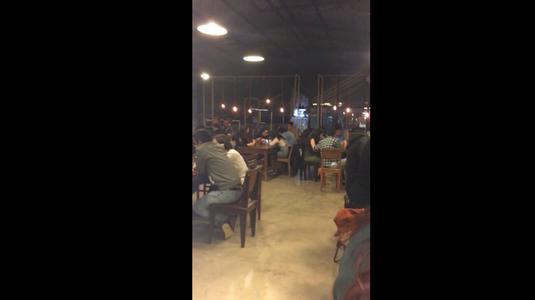 Là Việt Cafe