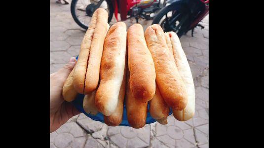 Bà Già - Bánh Mì Cay Chính Hiệu
