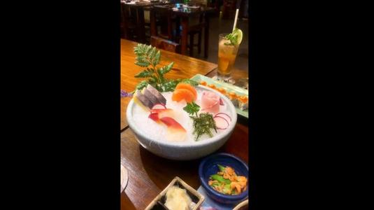 Yen Sushi & Sake Pub -***